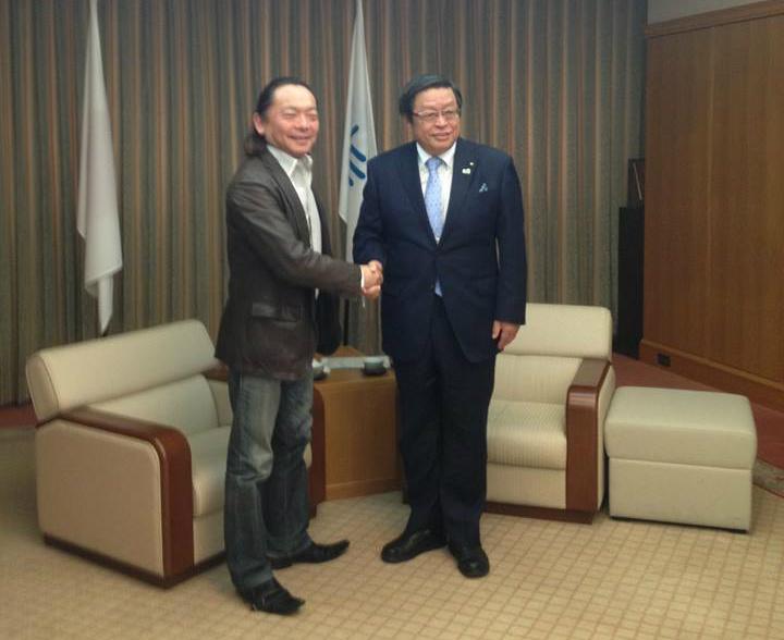 竹山修身堺市長が首長初のイクボス宣言、育休取得を後押し