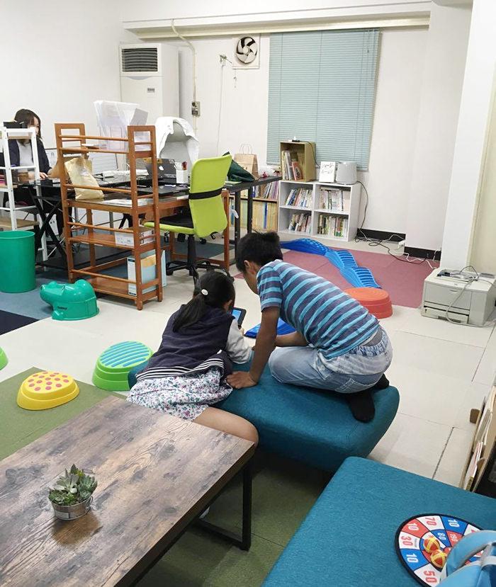 子どもを会社に連れ込む働き方