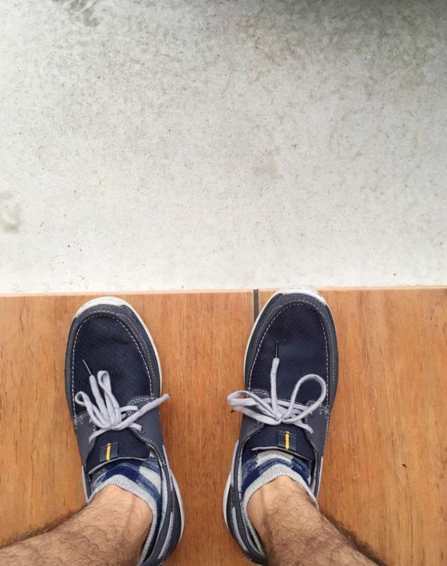 父親の靴のセンスを褒める息子