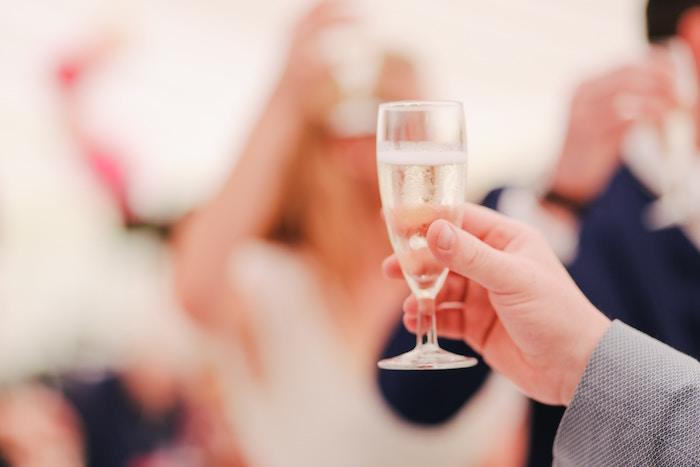 結婚式の幸せが世の中を平和にする